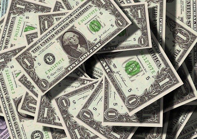 Myslíte si, že vyděláváte dost peněz?