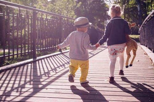 Jak vybírat chodítko pro dítě a jaké požadavky by mělo splňovat