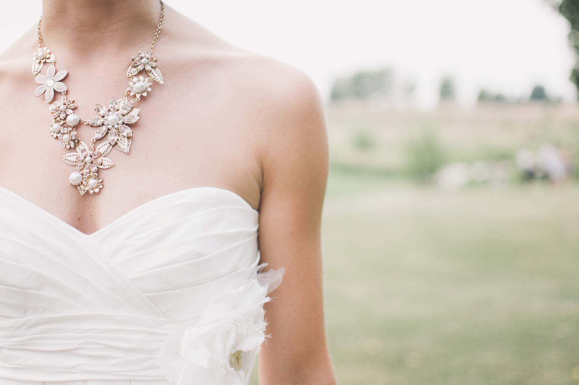 Jaké vybrat svatební šaty?